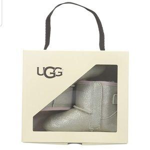 Infant size 4/5 Ugg boots